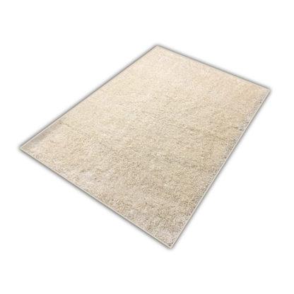 kremowy dywan shaggy