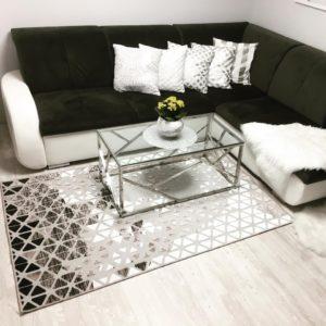 nowoczesny dywan w pokoju