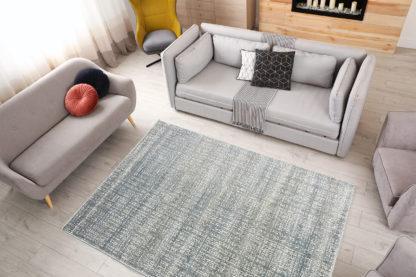 modny dywan przecierany