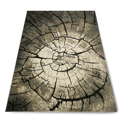 dywan w pień drzewa