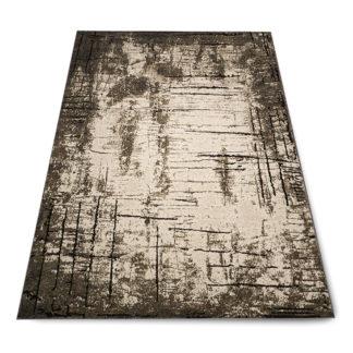 brązowy dywan przecierany