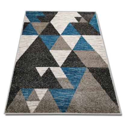 niebieski dywan w trójkąty