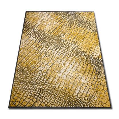 Żółty dywan wzór skóry